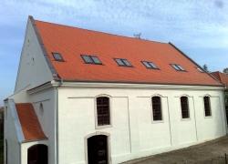 Střechy a Fasády